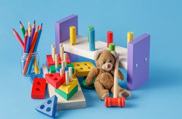 legetøj lavet af træ